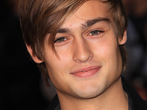 Douglas Booth joins Cy...