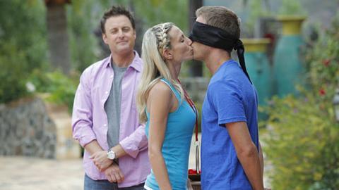 Bachelor Pad Recap Kissing Contest Melissa Becomes Upset With Blake - Bachelor pad season 1 winner