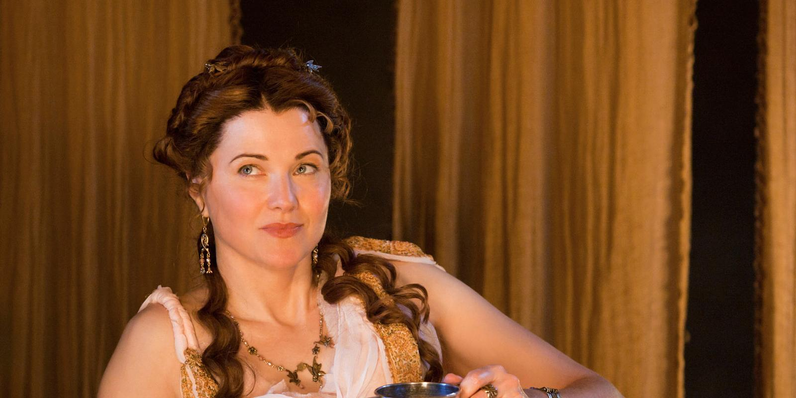 Lucy lawless lesleyann brandt laura surrich in spartacus