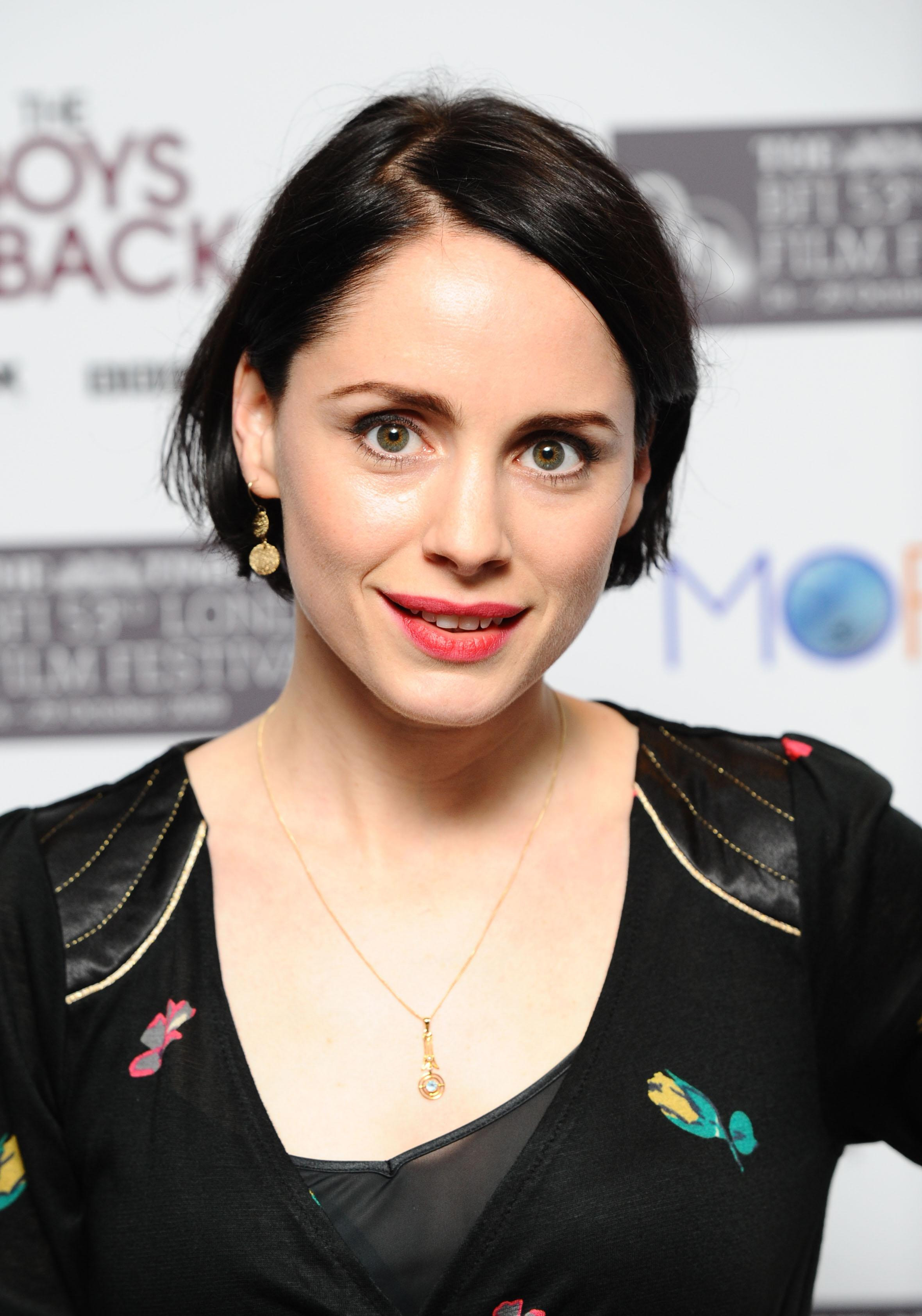 Set in Glasgow, the programme centred around a group of gay women and  starred the likes of Laura Fraser, Ruta Gedmintas, Fiona Button and Heather  Peace.