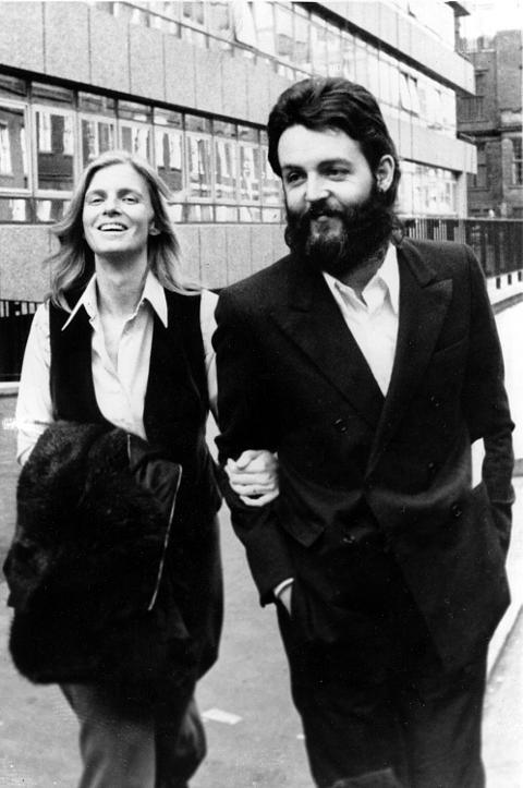 Paul McCartney Court Linda
