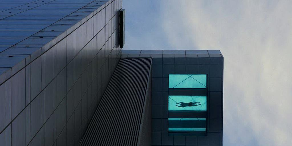Swimming Pool Hangs 24 Storeys In The Sky Picture