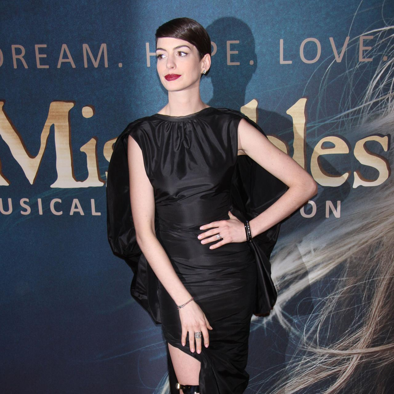 Anne Hathaway Movies On Netflix: Movies: Anne Hathaway At Les Miserables Premiere In NYC