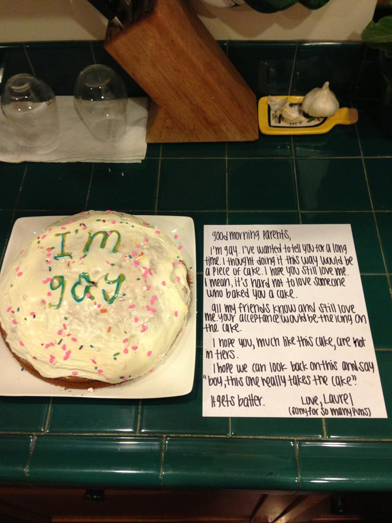 15yearold girl comes out to parents with cake picture