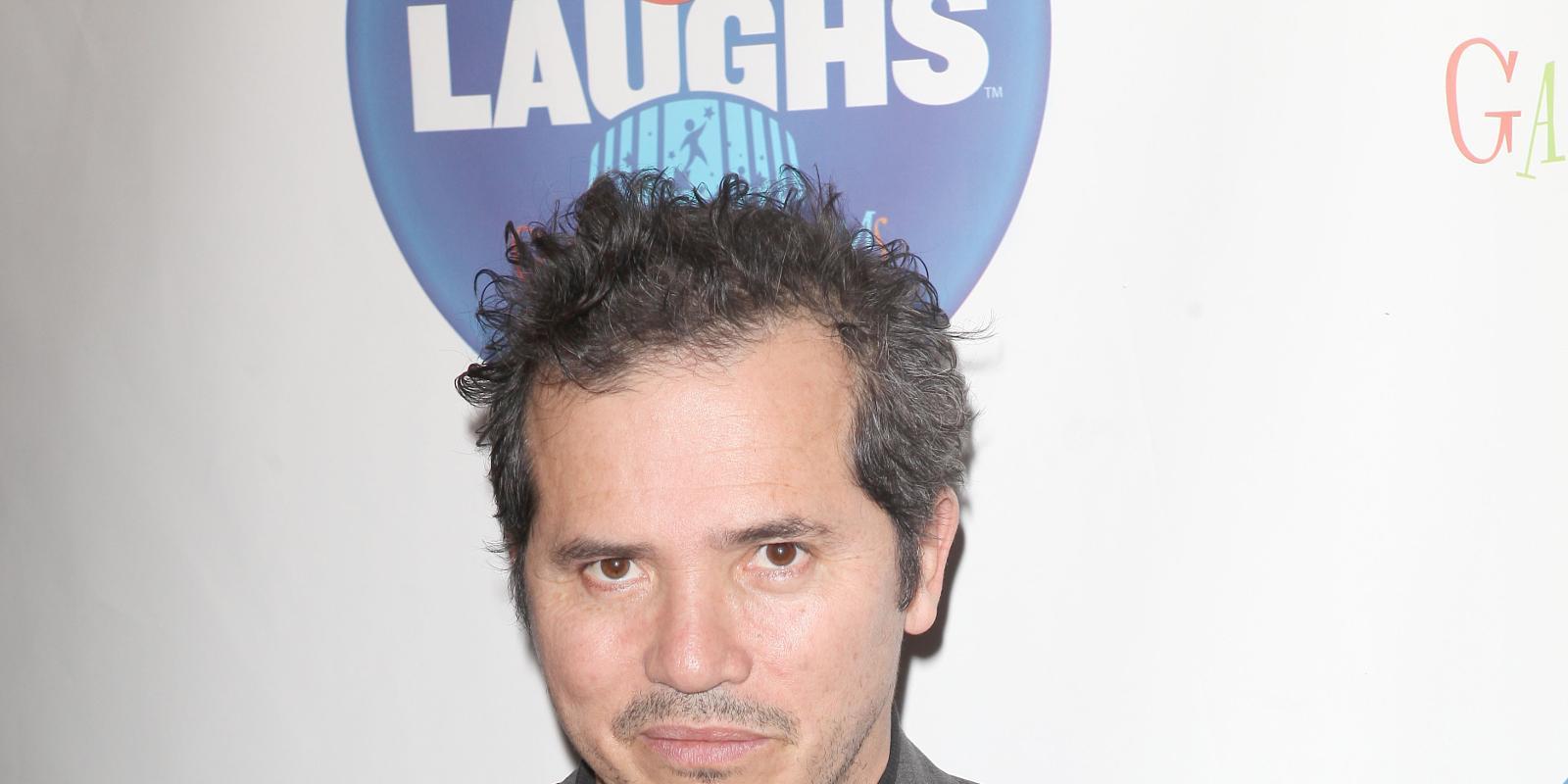 John Leguizamo cast in CBS comedy pilot Taxi-22