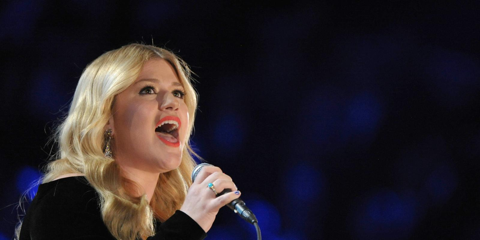 Robin Williams, William Shatner for Kelly Clarkson\'s Christmas special
