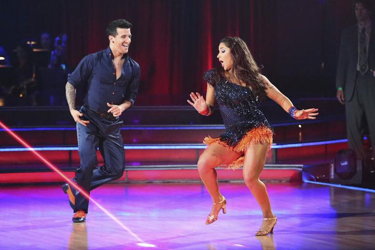 Dancing with the stars week 5 zendaya and val dating