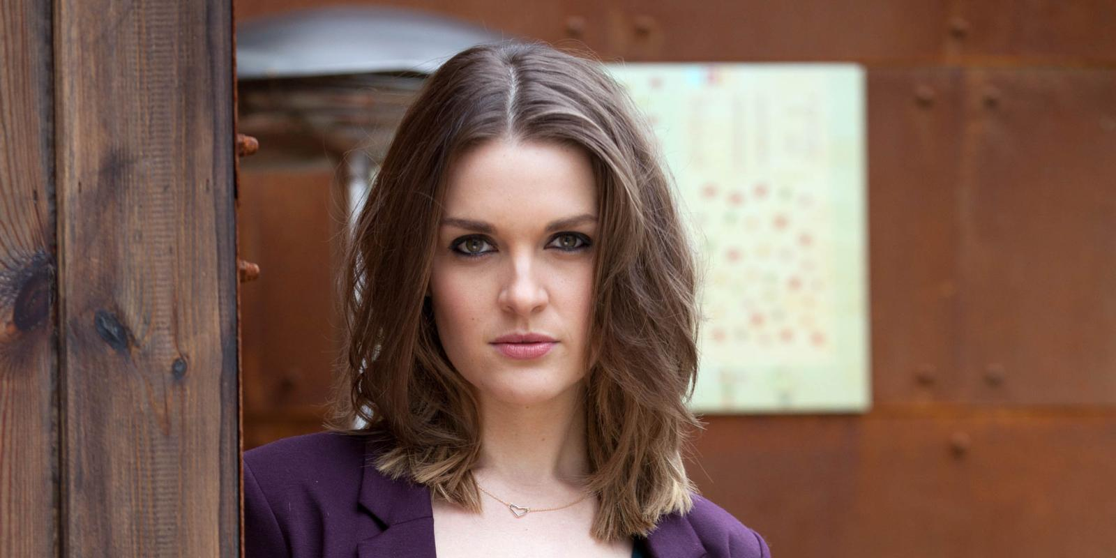 anna passey the smoke