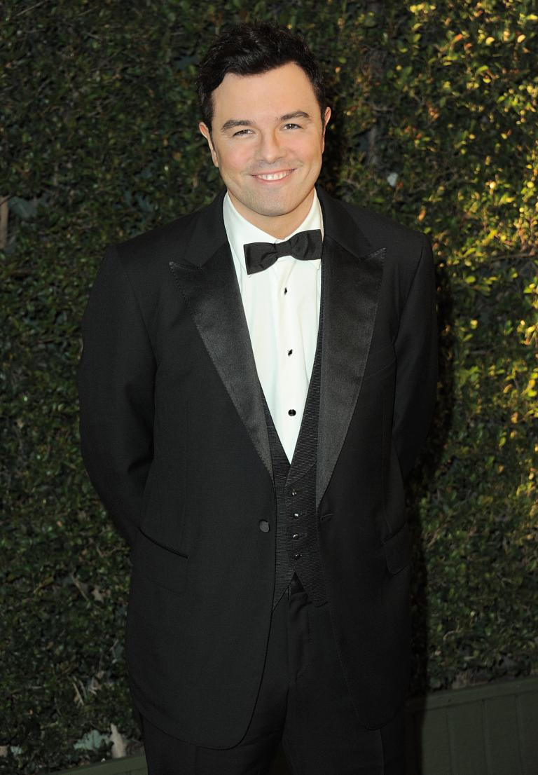 Seth MacFarlane enlists Norah Jones, Sara Bareilles for Christmas album