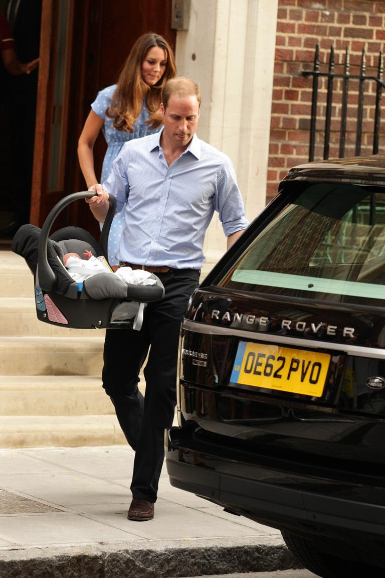 Duke And Ss Of Cambridge Leave St Mary 39 S Hospital