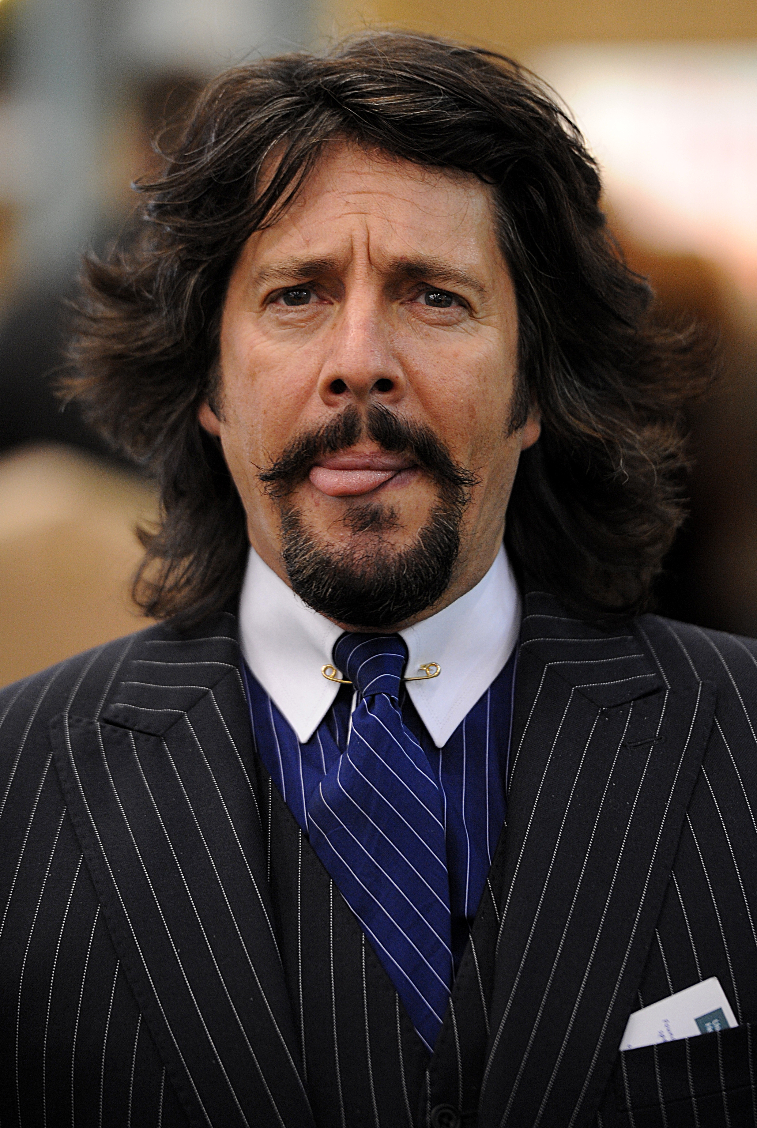 Grand Valley Auto >> Laurence Llewelyn-Bowen's Christmas park closes after awful reviews