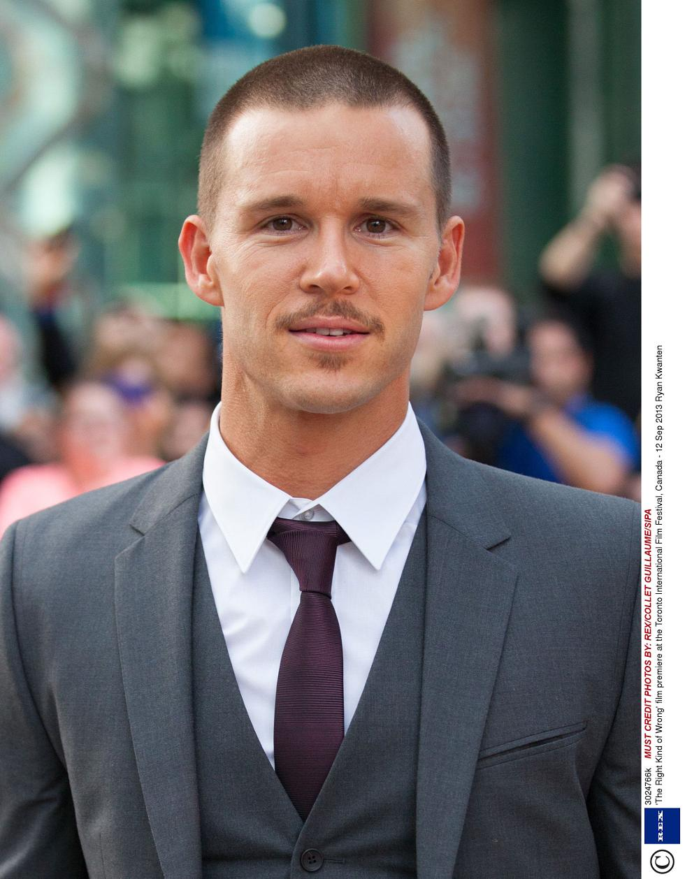 The 41-year old son of father (?) and mother(?), 178 cm tall Ryan Kwanten in 2018 photo