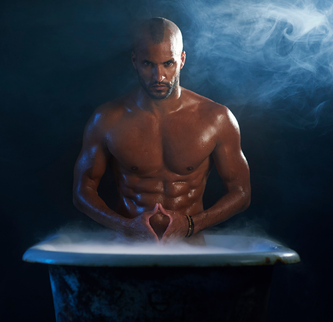 Gay Spy: Ricky Whittle gets hot and steamy in the bath