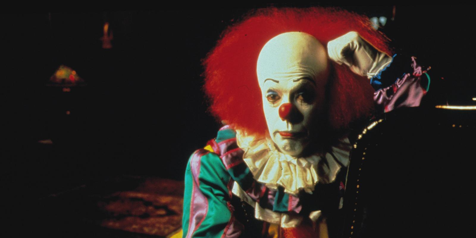 stephen king 39 s 39 it 39 to be made into two movies by cary fukunaga. Black Bedroom Furniture Sets. Home Design Ideas