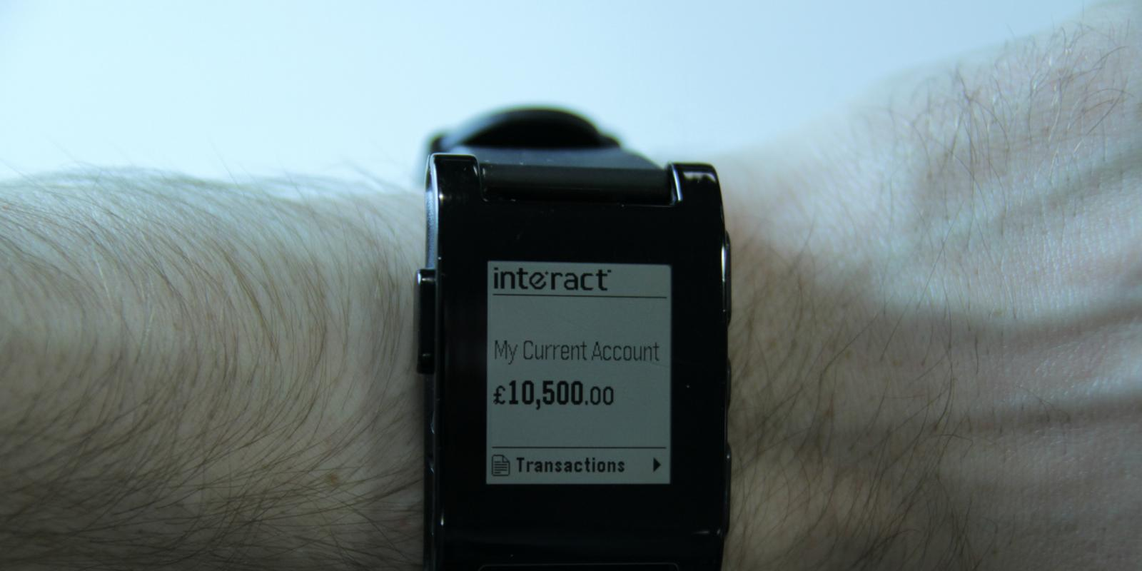 Pebble smartwatch gets banking app