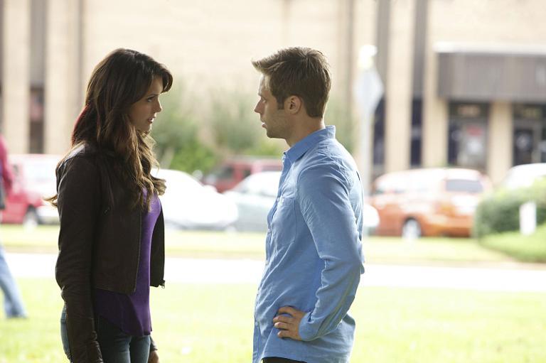 Nina Dobrev As Elena And Shaun Sipos Aaron In The Vampire Diaries