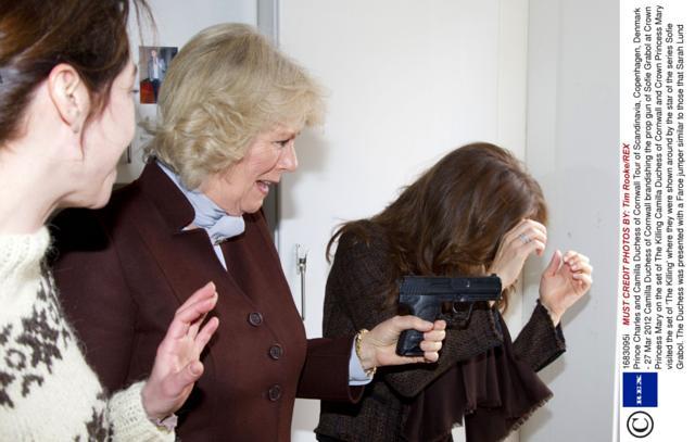 Những khoảnh khắc hài hước không đỡ nổi của bà Camilla - mẹ chồng thị phi nhất Hoàng gia Anh, đã xem là không thể không cười - Ảnh 10.