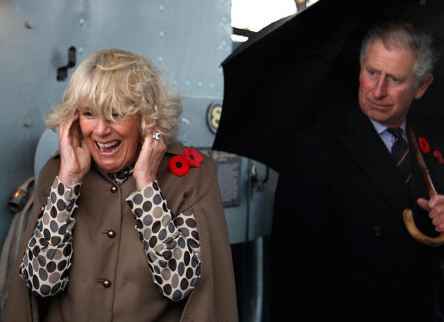 Những khoảnh khắc hài hước không đỡ nổi của bà Camilla - mẹ chồng thị phi nhất Hoàng gia Anh, đã xem là không thể không cười - Ảnh 5.