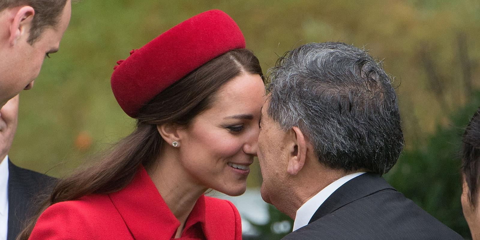 Prince william and kate rub noses with maori in new zealand m4hsunfo