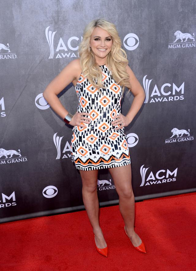 Shakira Shows Off in Teal Cutout Dress at 2014 ACM Awards