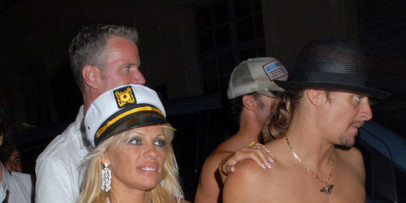 Смотреть памела андерсон на яхте 32 фотография