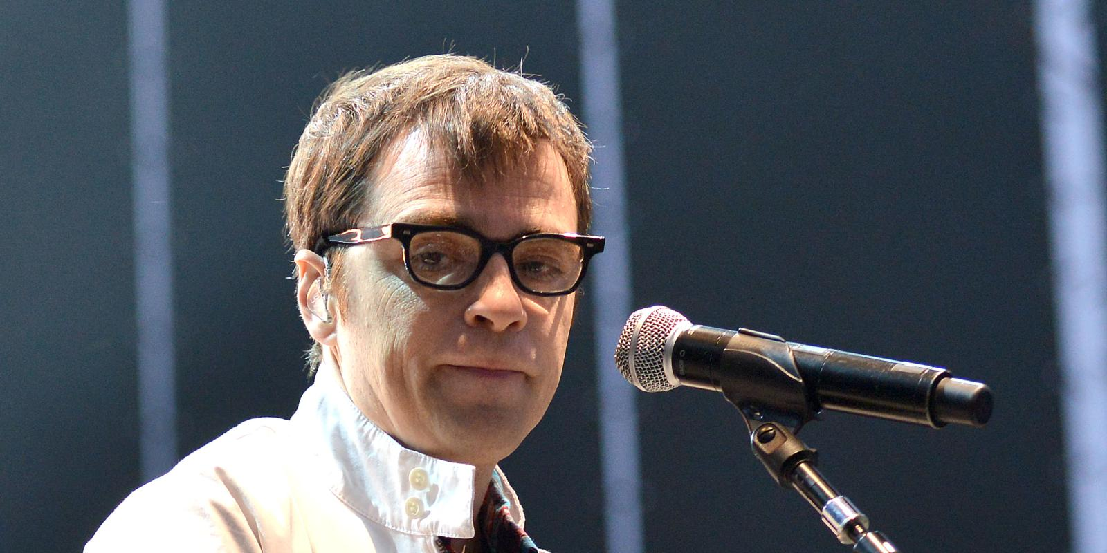 Weezer Fan Gives 25 000 To Go Bird Watching With Frontman