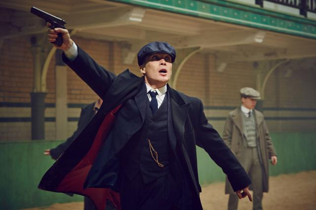 Cillian Murphy as Thomas Sleby in Peaky Blinders S02E03