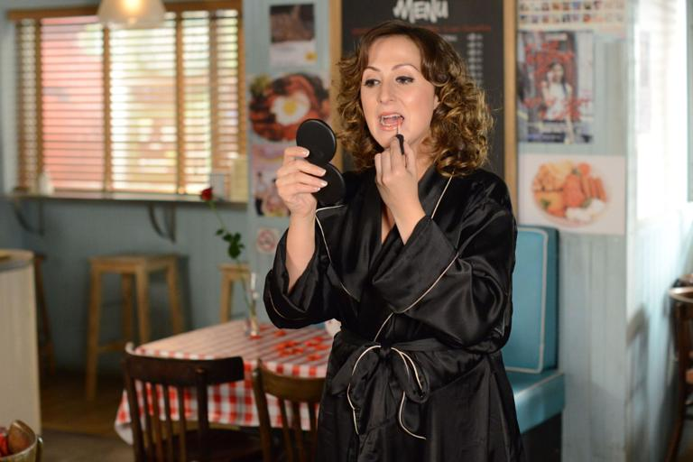 EastEnders spoiler pictures: Walford residents take part in naked ...