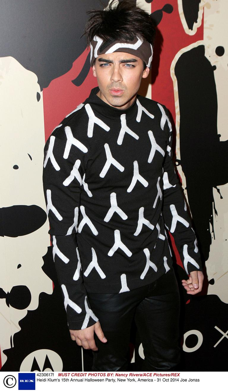 joe jonas heidi klums 15th annual halloween party new york america - Joe Jonas Halloween