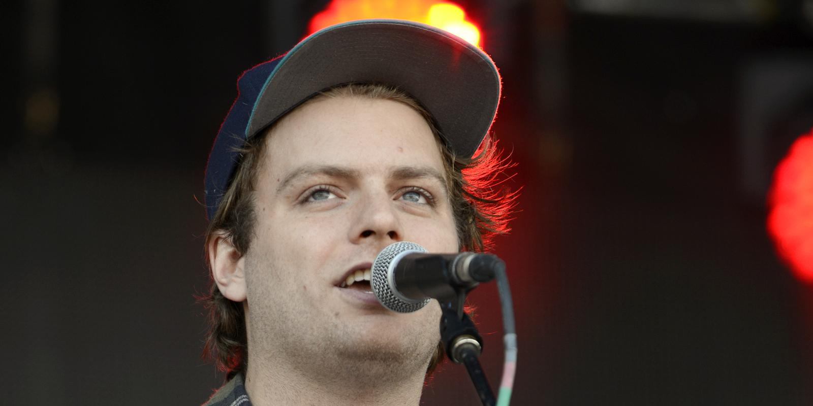 mac demarco arrested during live performance