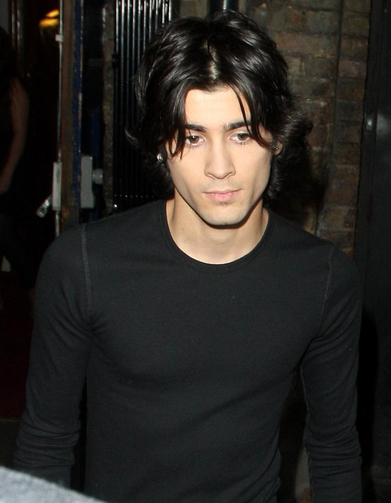 Zayn Maliks Bringing Curtains Back The Best Pop Curtains Of The 90s