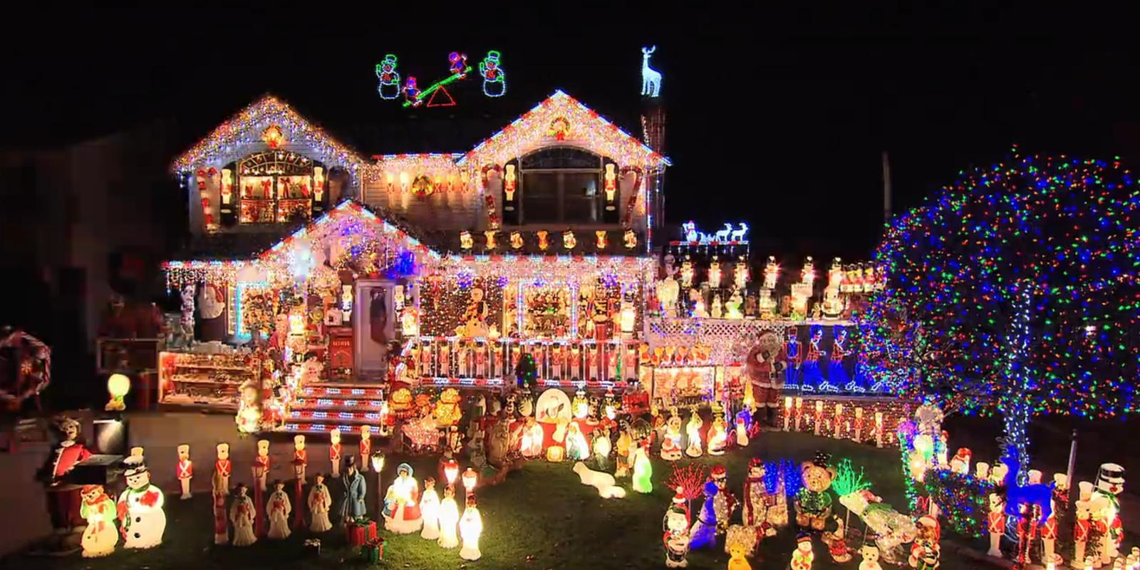 Great Christmas Gifts For Boyfriend: The Great Christmas Light Fight To Air On TruTV In The UK