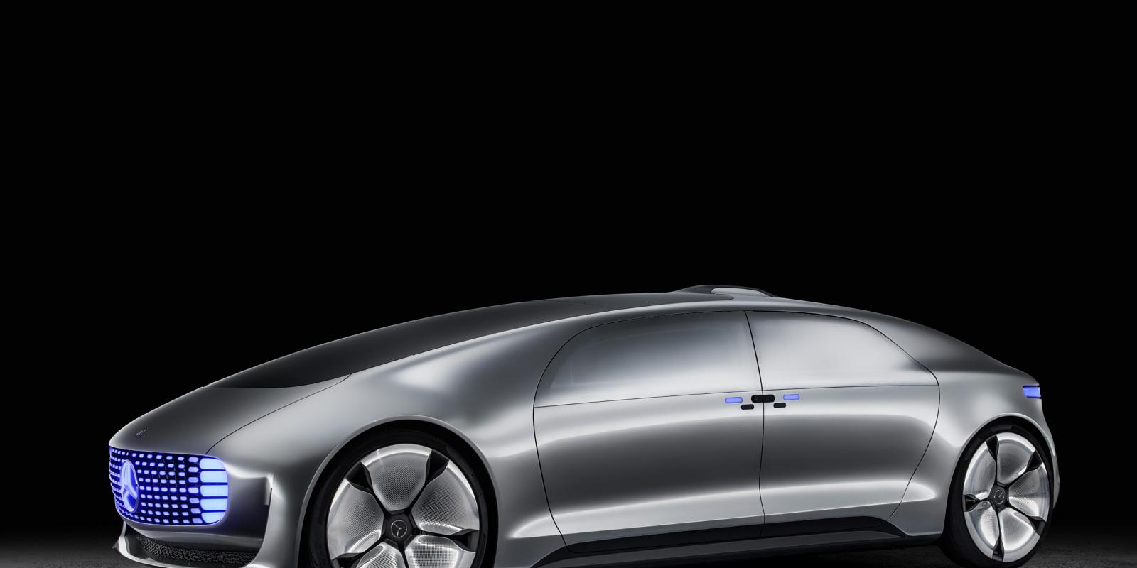 Mercedes benz brings style to self driving at ces 2015 for Mercedes benz technician