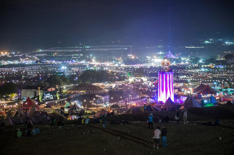 Worthy Farm is lit up in all itu0027s glory as Day 3 arrives & How to get Glastonbury tickets after itu0027s sold out