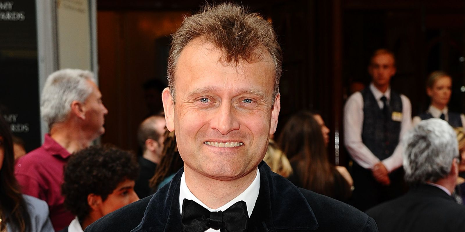 hugh dennis height
