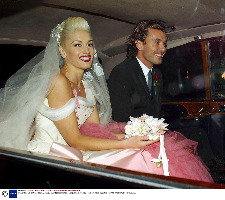 Gwen stefani and gavin rossdale are divorcing a timeline of their gwen stefani gavin rossdale get married in 2002 junglespirit Images