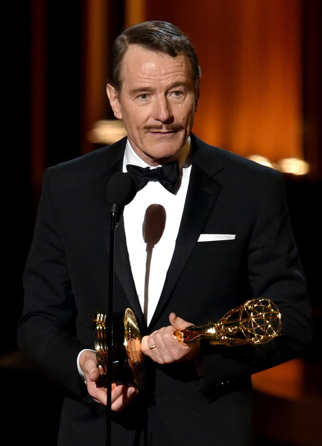 Bryan Cranston Meets Walter White Gallery Ustv Emmy Awards Bryan Cranston