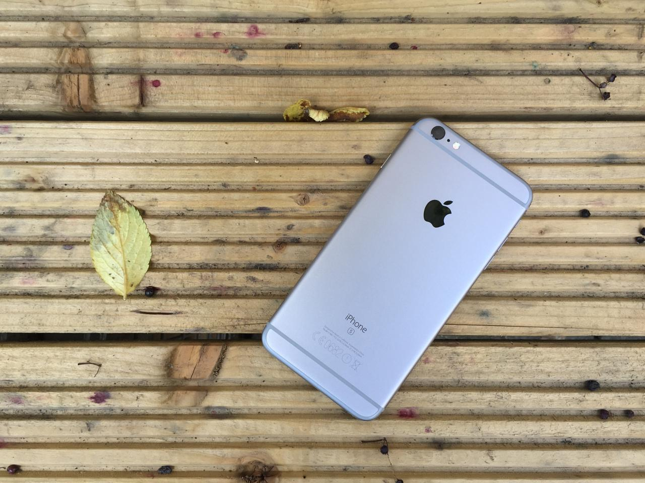 Apple iPhone 6S Plus, rear
