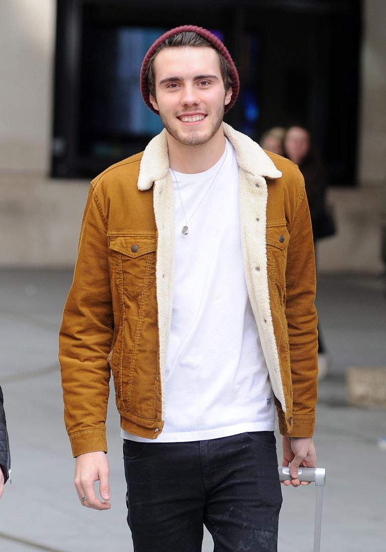 Are alfie deyes and zoella dating 2019