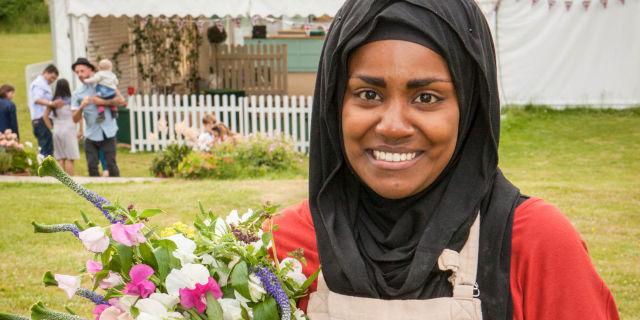 Loose Womens Nadiya Hussain reveals shell be baking the Queens