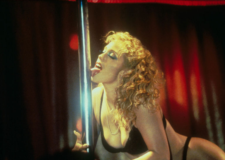 Showgirls director paul verhoeven takes blame for elizabeth showgirls elizabeth burkley voltagebd Image collections