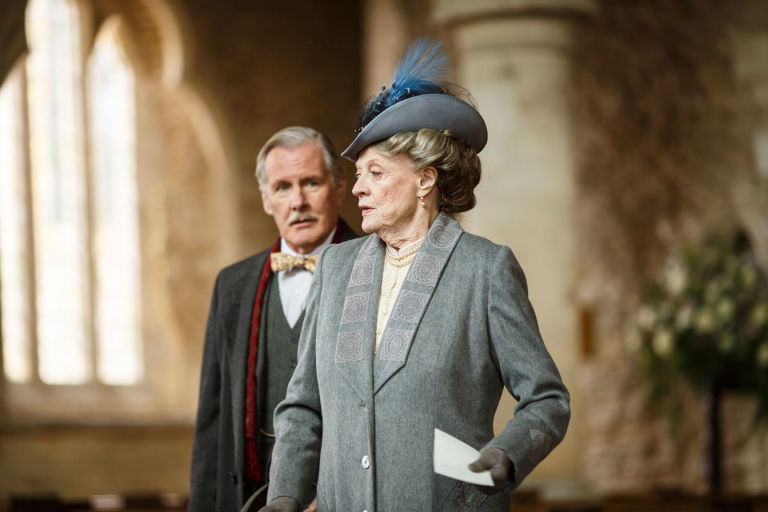 David Robb as Dr Clarkson and Maggie Smith as Violet, Dowager Countess of Grantham in Downton Abbey S06E03
