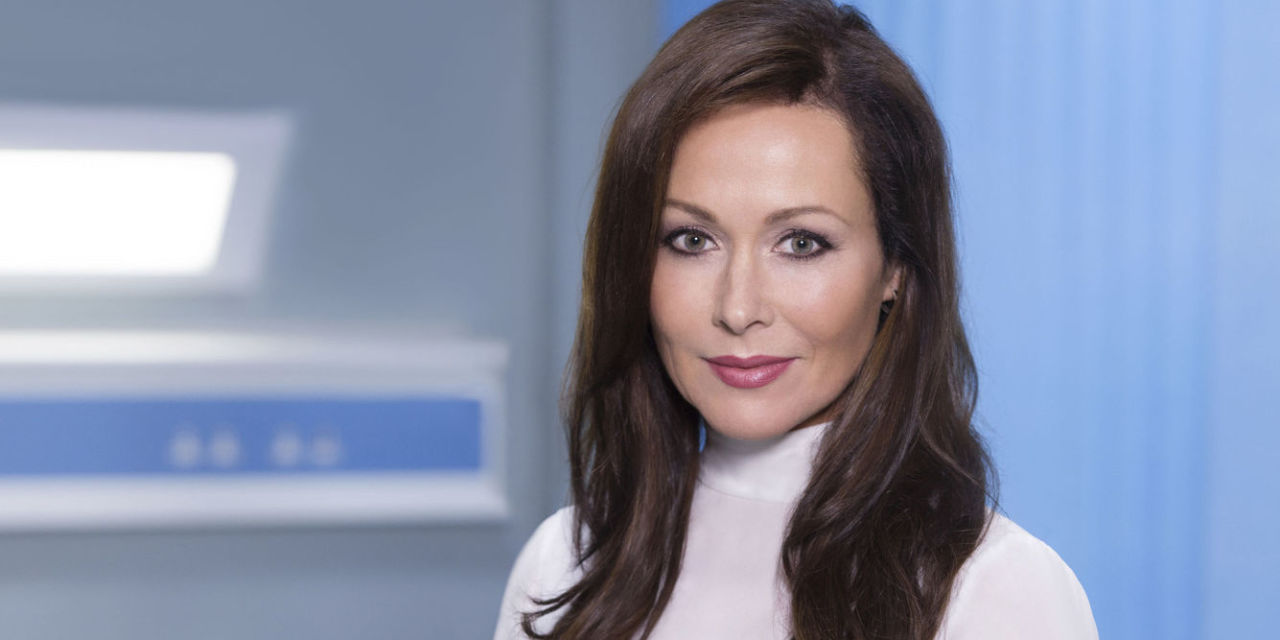 amanda mealing four weddings and a funeral