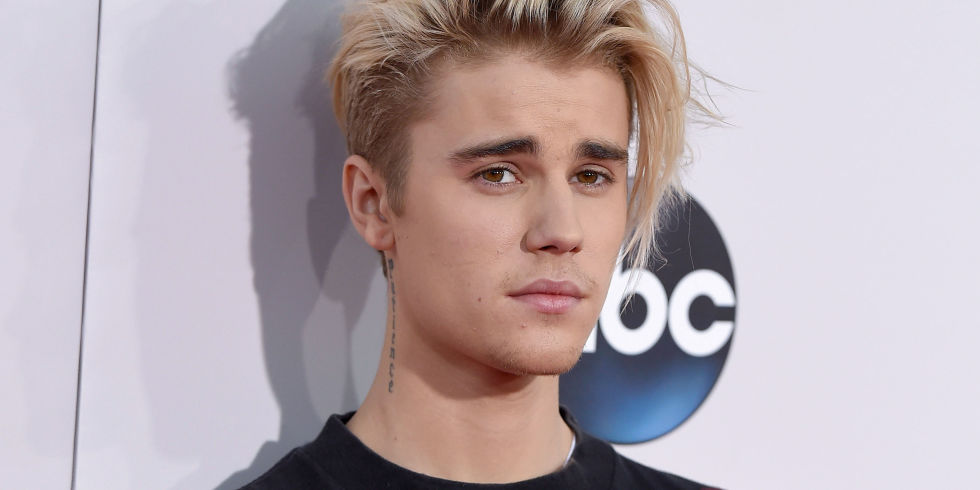 Justin Bieber pulls ahead in the race for Christmas No.1