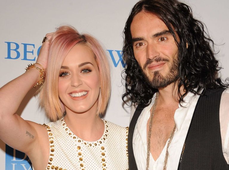 Katy Perry \'wearing Russell Brand wedding ring\'