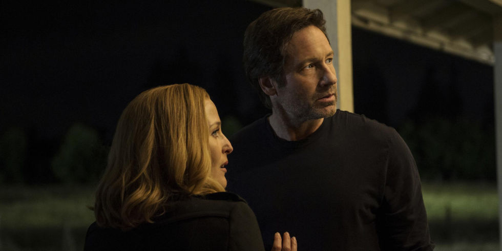 Gillian Anderson And David Duchovny In The X Files Miniseries Episode 1 My