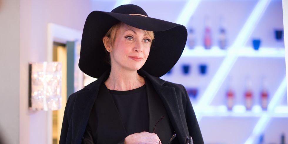 Marnie Nightingale (Lysette Anthony)