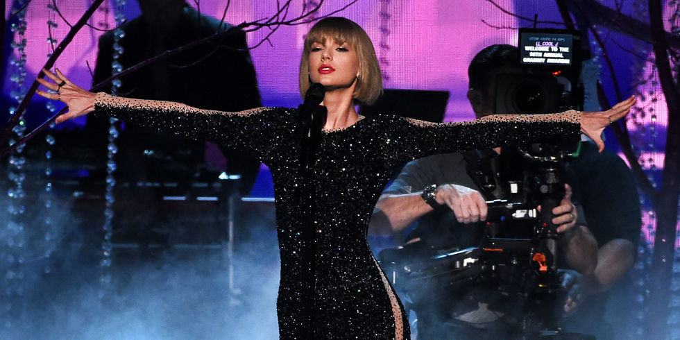 Grammys 2016 Kanye Who Taylor Swift Owns The Night With A New