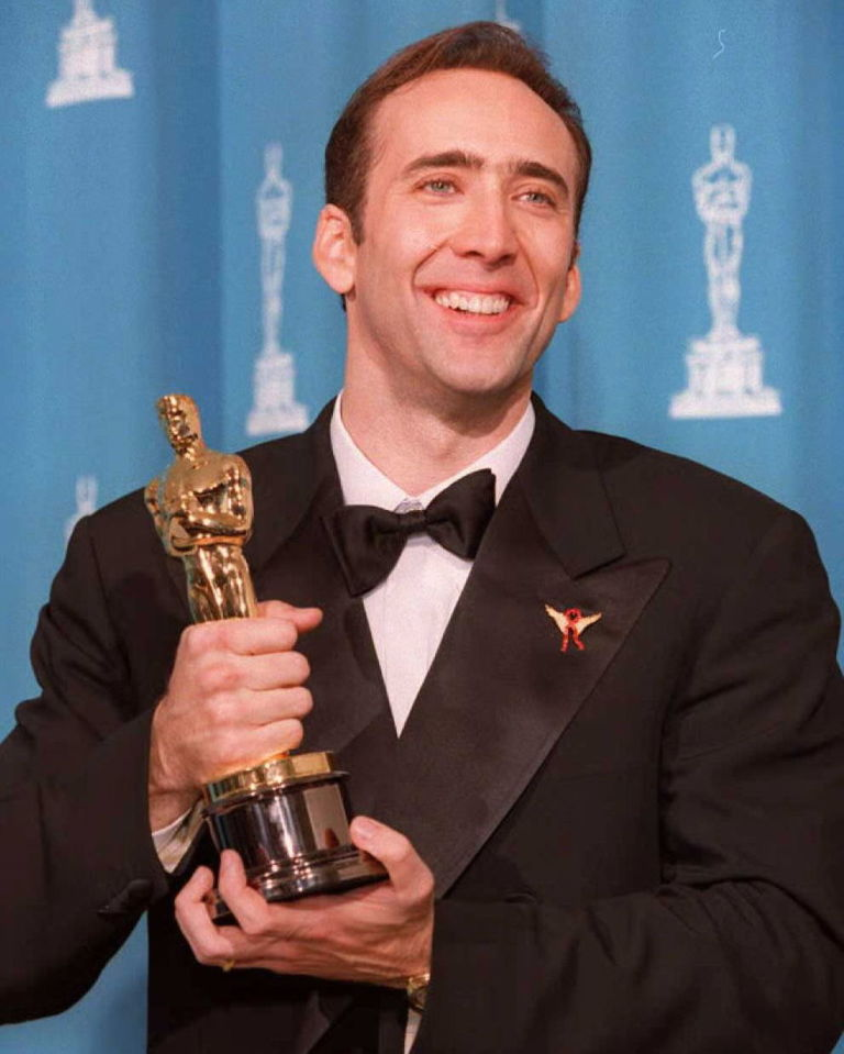 Nicolas Cage with his Oscar at the 68th annual Academy Awards