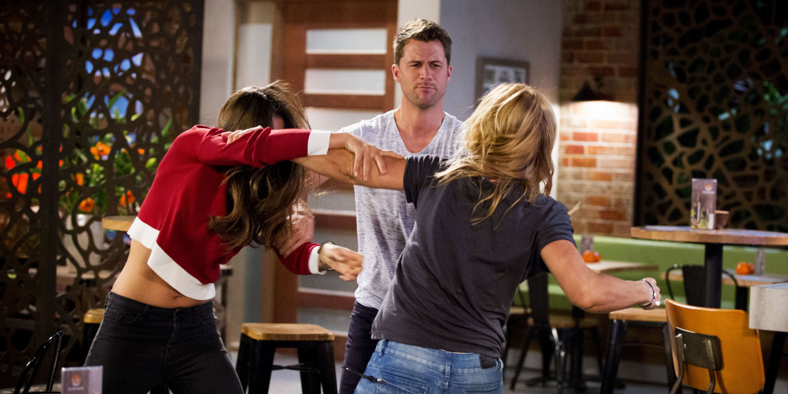 neighbours spoiler paige and steph have a catfight at the